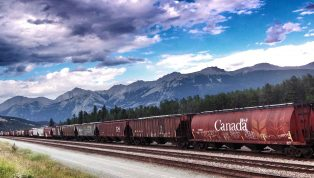 Train-Canada-rocheuse-@anna